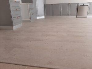 الأرضيات الخشبية و الباركيه الصناعي